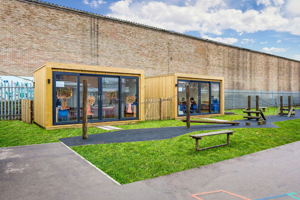 Mobilné triedy pre deti. Rýchle a efektívne rozšírenie vyučovacej kapacity.