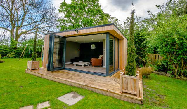 Záhradná kancelária s malou terasou
